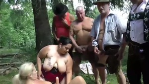 Blowjob cum on the nature in HD