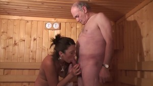 Young french amateur agrees to hard slamming HD