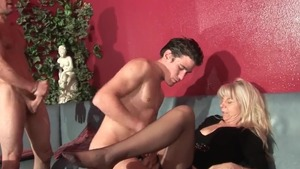 Skinny french MILF really enjoys hard threesome HD