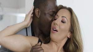 Big butt Elle Ryan interracial fucking