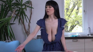 Hitomi Tanaka striptease in the shower in HD