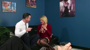 Mature Amy Goodhead goes in for ramming hard in HD