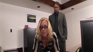 Blonde haired Nicole Aniston in glasses cumshot