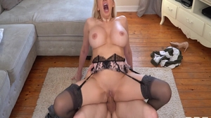 Very hawt Amber Jayne and Amber Jay bends over sex tape