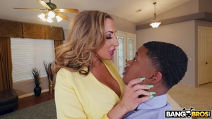 Blonde babe Elle Ryan interracial fucking