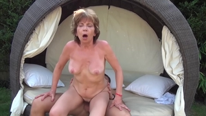 Amateur Akasha Cullen Pussy fucked outdoors