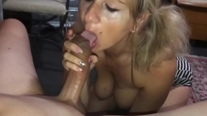 Blowjob in company with big butt wife