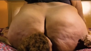 Lesbian facesitting squirting pussy licking