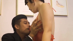 Raw sex along with asian MILF
