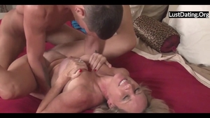 Large tits MILF lusts sucking cock in HD