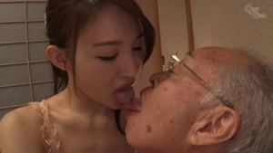 Young asian amateur pussy eating
