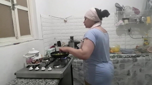 Hard fucking with beautiful algerian housewife