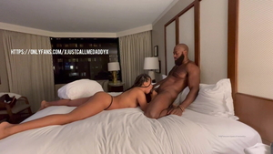 Cowgirl fuck in hotel