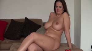 Curvy amateur raw pussy fucking at the castings