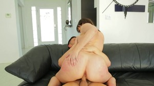 Busty stepmom herie Deville goes for real fucking