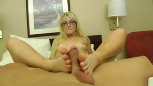 Zoey Paige footjob XXX video