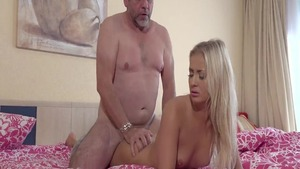 Teen chick Cayla Lyons playing with big cock daddy